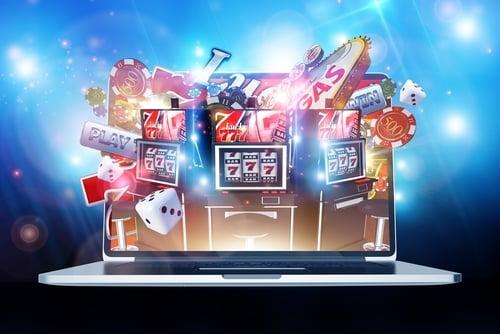 Poker en Ligne v. machines a sous – Quel est votre jeu préféré?